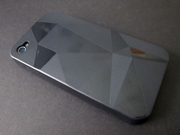 First Look: Speck GeoMetric for iPhone 4