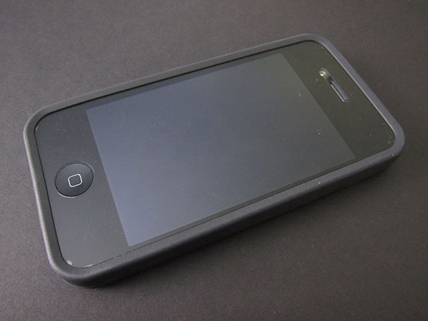 First Look: Speck PixelSkin HD for iPhone 4 1
