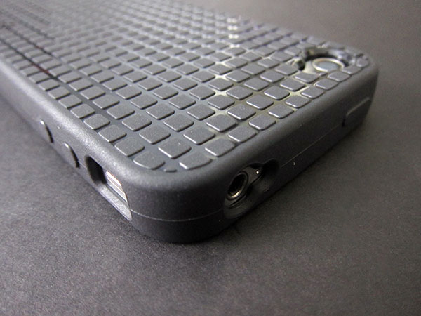 First Look: Speck PixelSkin HD for iPhone 4 3
