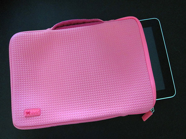Preview: Speck PixelSleeve for iPad