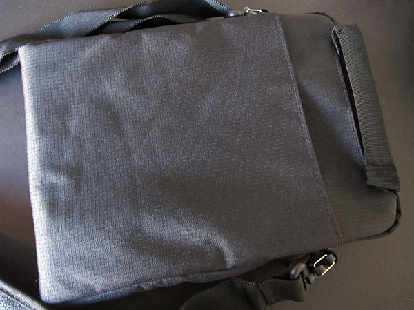 Preview: STM Glove + Micro XS Shoulder Bag for iPad