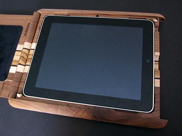 First Look: Substrata Hinged Lid iPad Box
