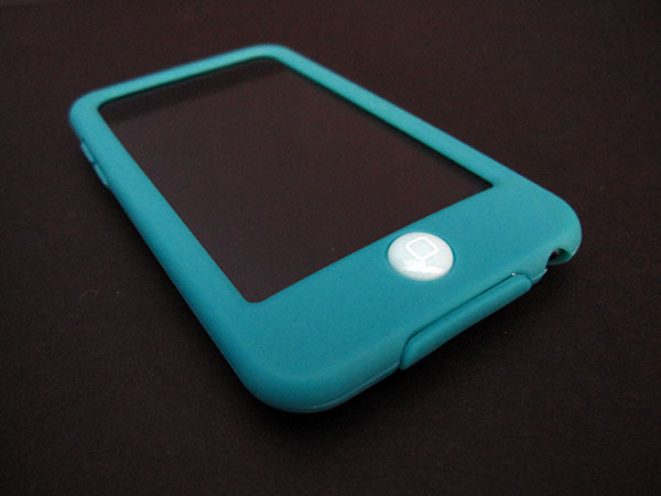 First Look: SwitchEasy Colors for iPod touch 2G