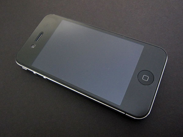 First Look: SwitchEasy Pure(AR), PureProtect, PureReflect + PurePrivacy for iPhone 4 + iPod touch 4G