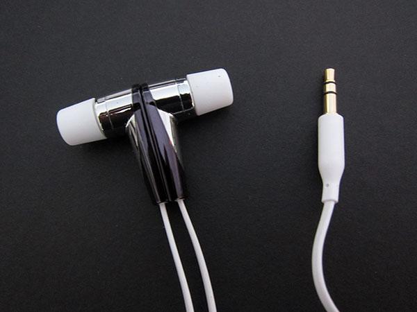 First Look: Luxa2 F2 In-Ear Earphone