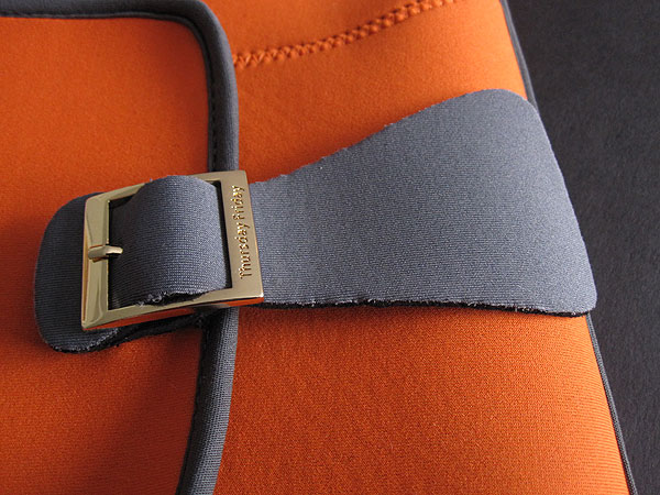 Review: Thursday Friday Dive Bag for iPad