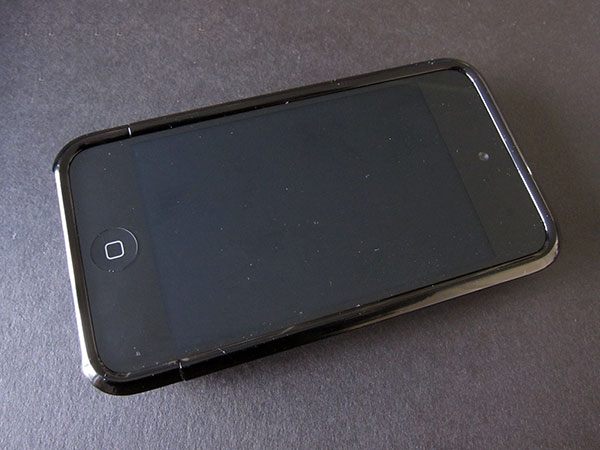 Review: Uncommon Capsule Case for iPod touch 4G