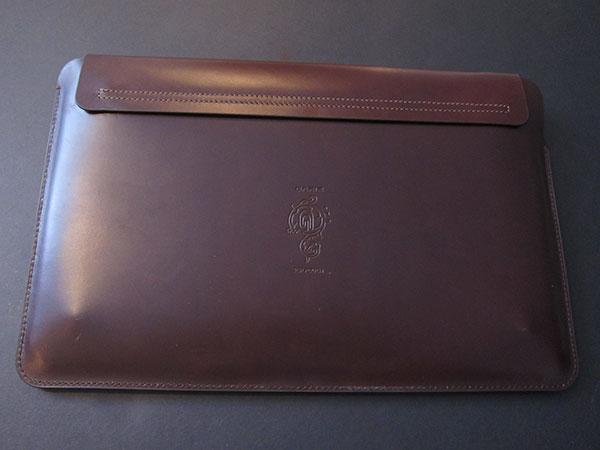 "MacBook Air 11"" Gets An Envelope Case: United SGP's Gariz Edition Leather Pouch 1"