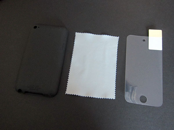 First Look: United SGP Ultra Silke for iPod touch 4G