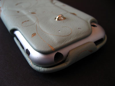 Review: Vaja iVolution Top Crystal 2 for iPhone