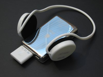 Review: Wi-Gear iMuffs Bluetooth Headset for iPod