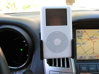 Review: ProClip Padded iPod In-Car Holder