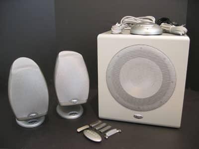First Looks: iFi, DecoDock, Incase Shuffle, USB Power