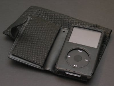 Review: iPodstreet Bifold Leather Encased and Flip Leather Cases for 5G iPod