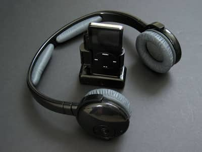 Review: TEN Technology naviPlay Bluetooth Wireless Stereo Headset Kit for iPod