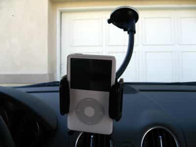 Review: Kensington Car Mount for iPod