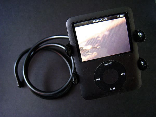 Review: Thought Out Naja Flexible Rotating Dock Stand for iPod nano