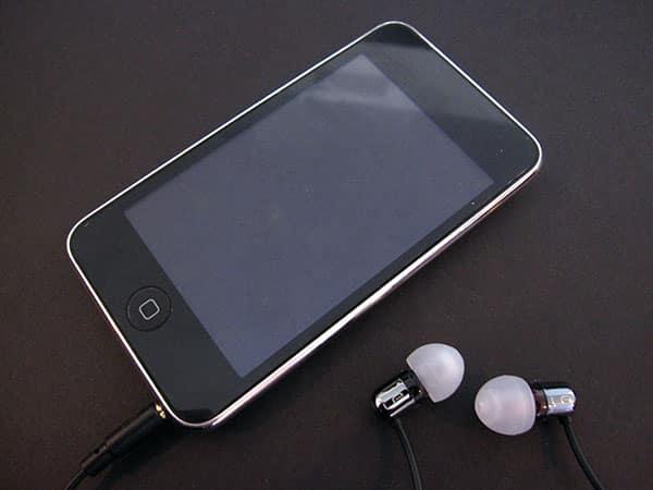 Review: Ultimate Ears 700 Noise Isolating Earphones