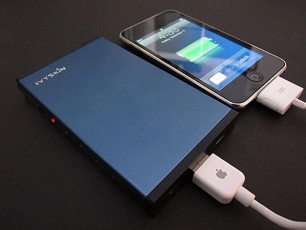 First Look: Ivyskin Zappak Universal Battery Backup