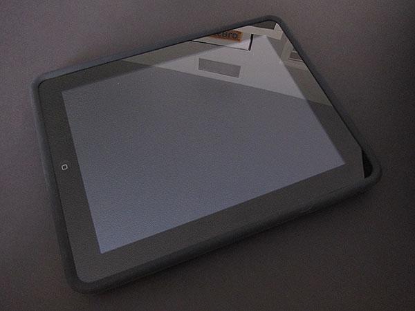 First Look: Incipio Dermashot for iPad