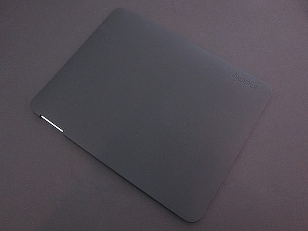 First Look: Incipio Feather Case for iPad