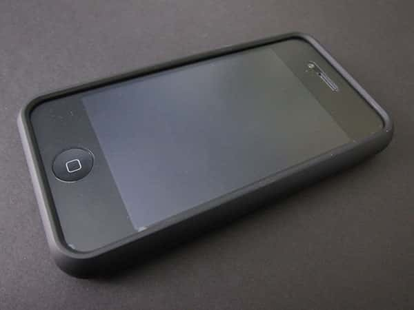 First Look: Speck Fitted for iPhone 4