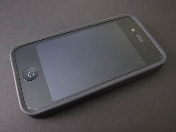 First Look: Speck PixelSkin HD for iPhone 4
