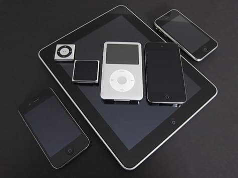 iPod nano 6G interface, iPod + iPhone family photos posted