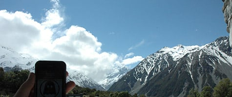 Photo of the Week: iPhone 3G in New Zealand