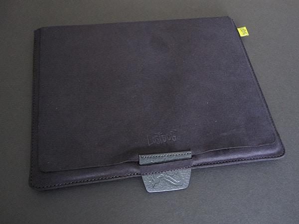 First Look: Bluetrek LostDog Protecting Pouch for iPad 2