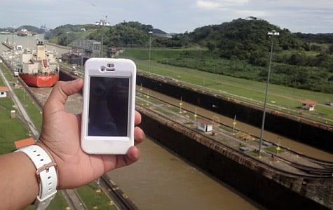 Photo of the Week: iPhone 4 in Panama