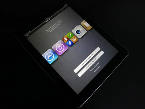Third-generation iPad unboxing, comparison photos posted