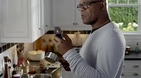 iPhone 4S ads starring Sam Jackson, Zooey Deschanel air