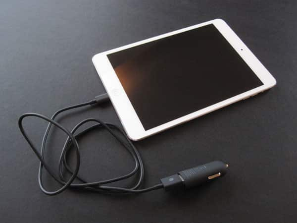 Review: Incase Mini Car Charger with Lightning Cable