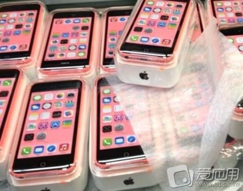 iPhone 5C phones, packaging, manuals leak