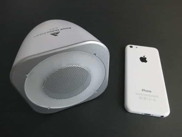 Review: AwoX StriimLight SL-B10 Wireless Bluetooth Speaker + LED Light Bulb