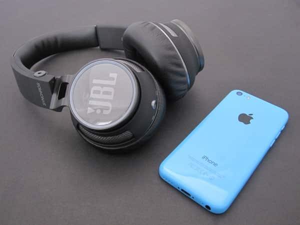 Review: JBL Synchros S400BT Bluetooth Wireless Headphones