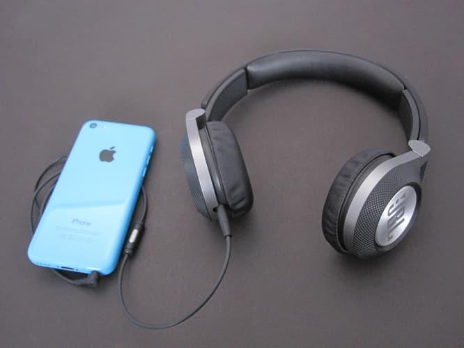 Review: JBL Synchros E30 On-Ear Headphones