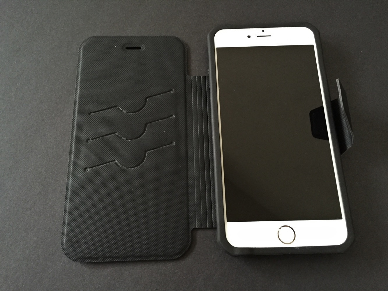 Review: Rokform Rokfolio Wallet Case for iPhone 6 and iPhone 6 Plus