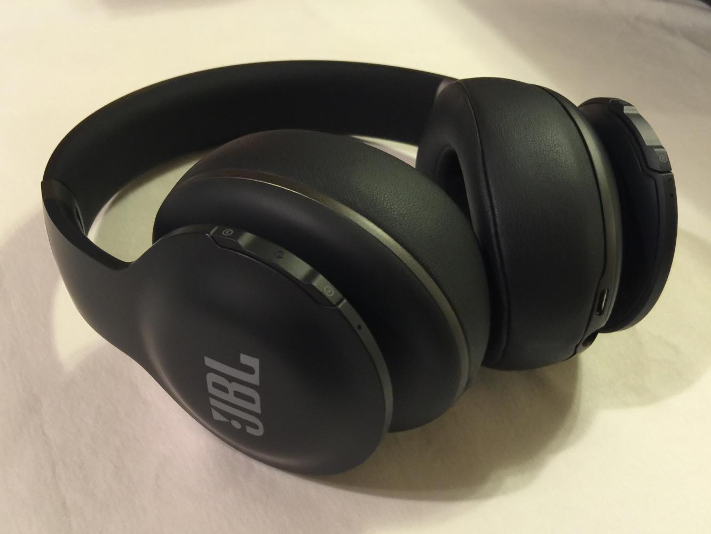 Review: JBL Everest Elite 700 Bluetooth Headphones