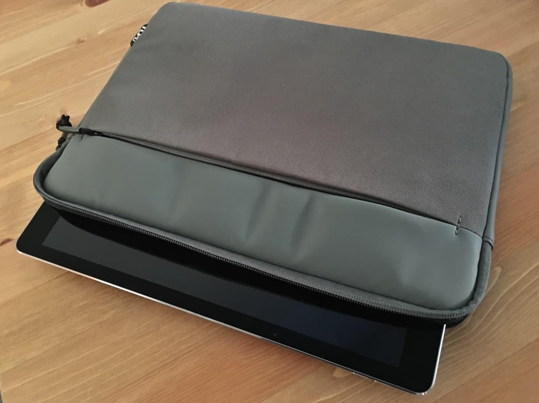 Incipio Truman Sleeve for iPad Pro