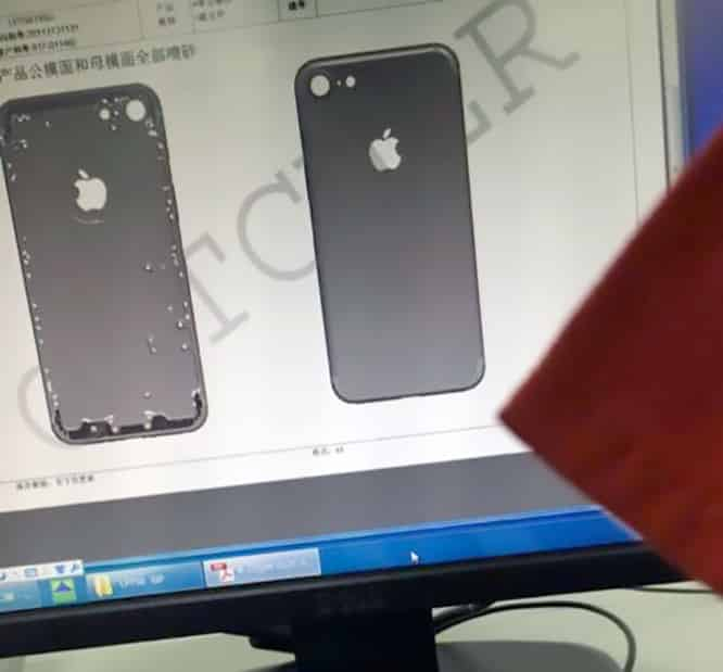 Alleged iPhone 7 chassis photos show larger camera hole, no antenna lines