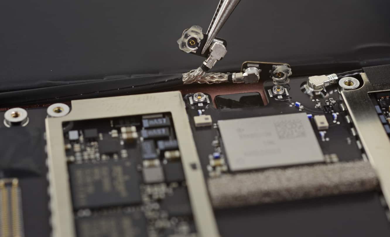 iFixit posts teardown of 9.7-inch iPad Pro