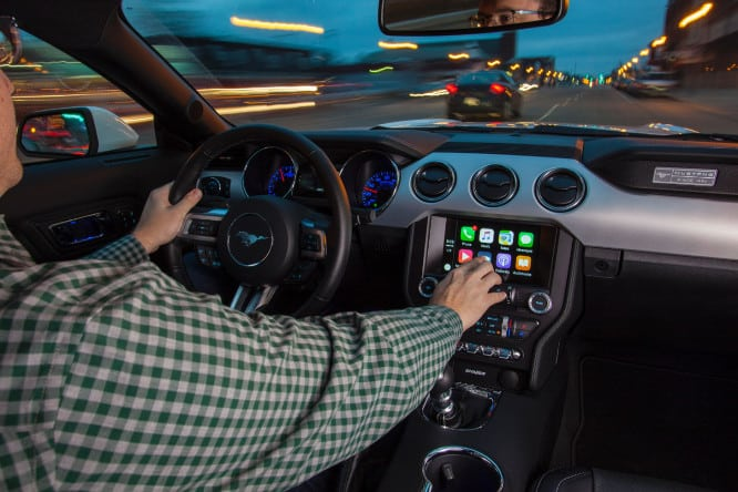 CarPlay to be available in all 2017 Ford models
