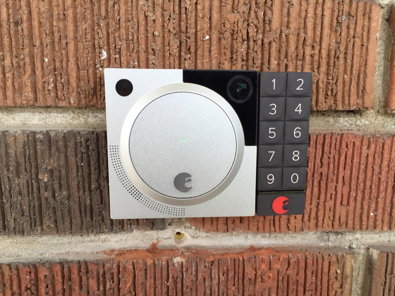 August adds Motion Detection, Video Recording to Doorbell Cam
