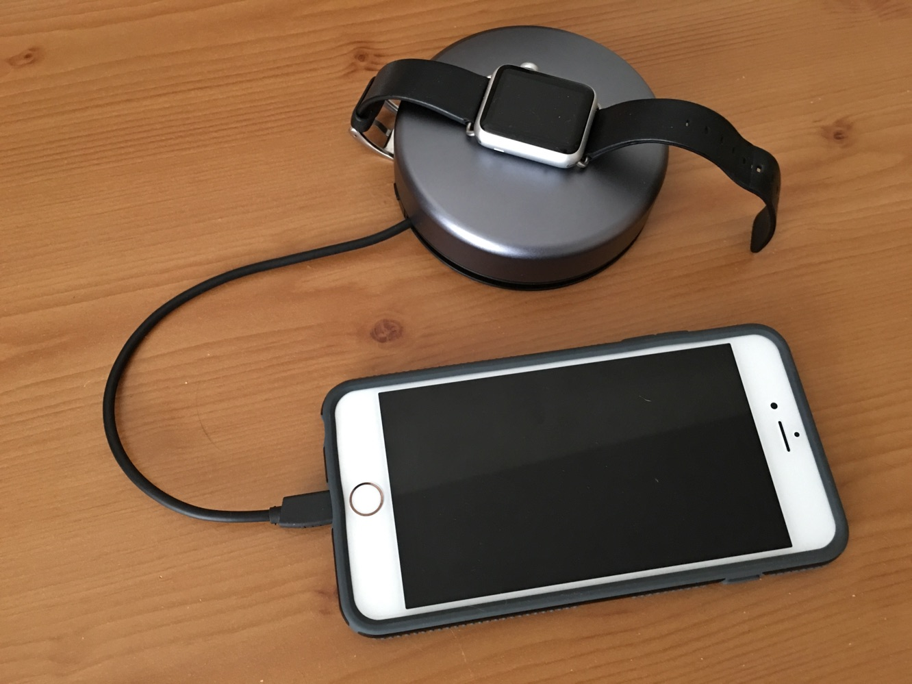 Review: Nomad Pod Pro for iPhone and Apple Watch