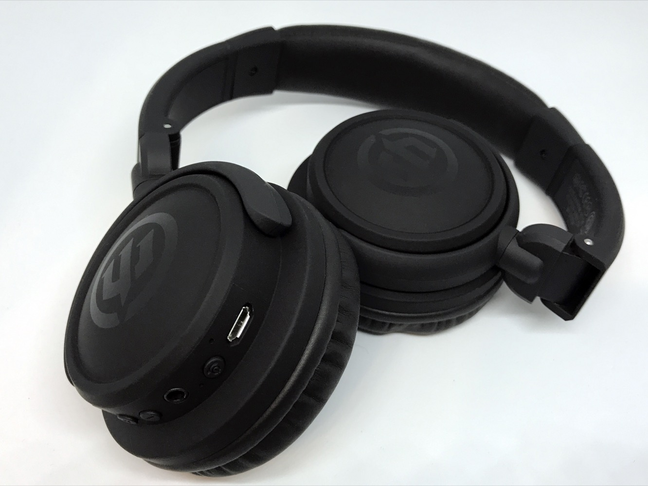 Review: Wicked Audio Endo Bluetooth On-Ear Headphones