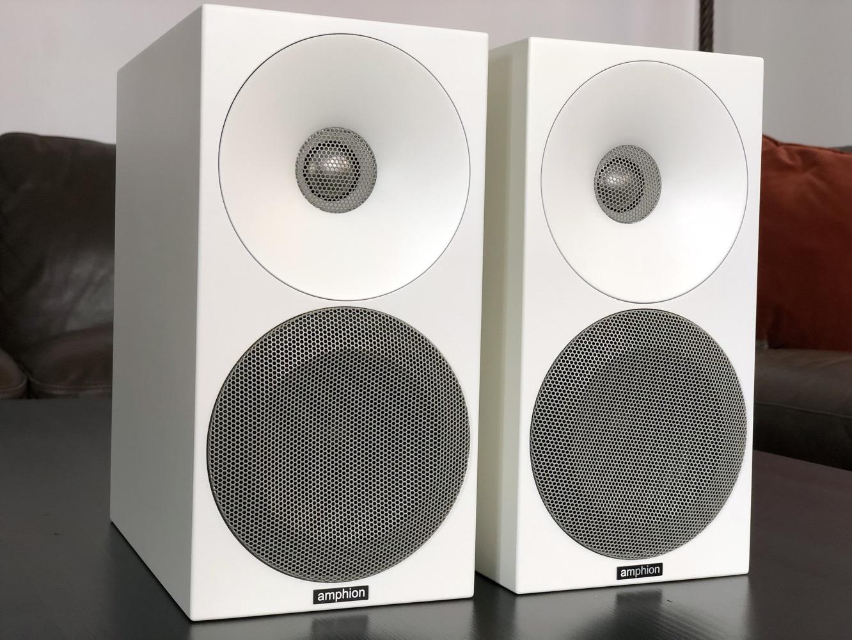 Review: Amphion Helium410 Bookshelf Speakers