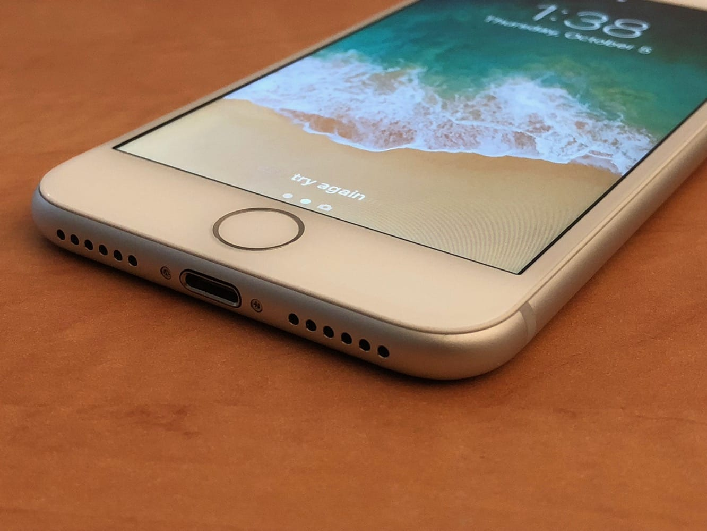 Third-party screen repairs causing iPhone 8 touchscreens to fail in iOS 11.3
