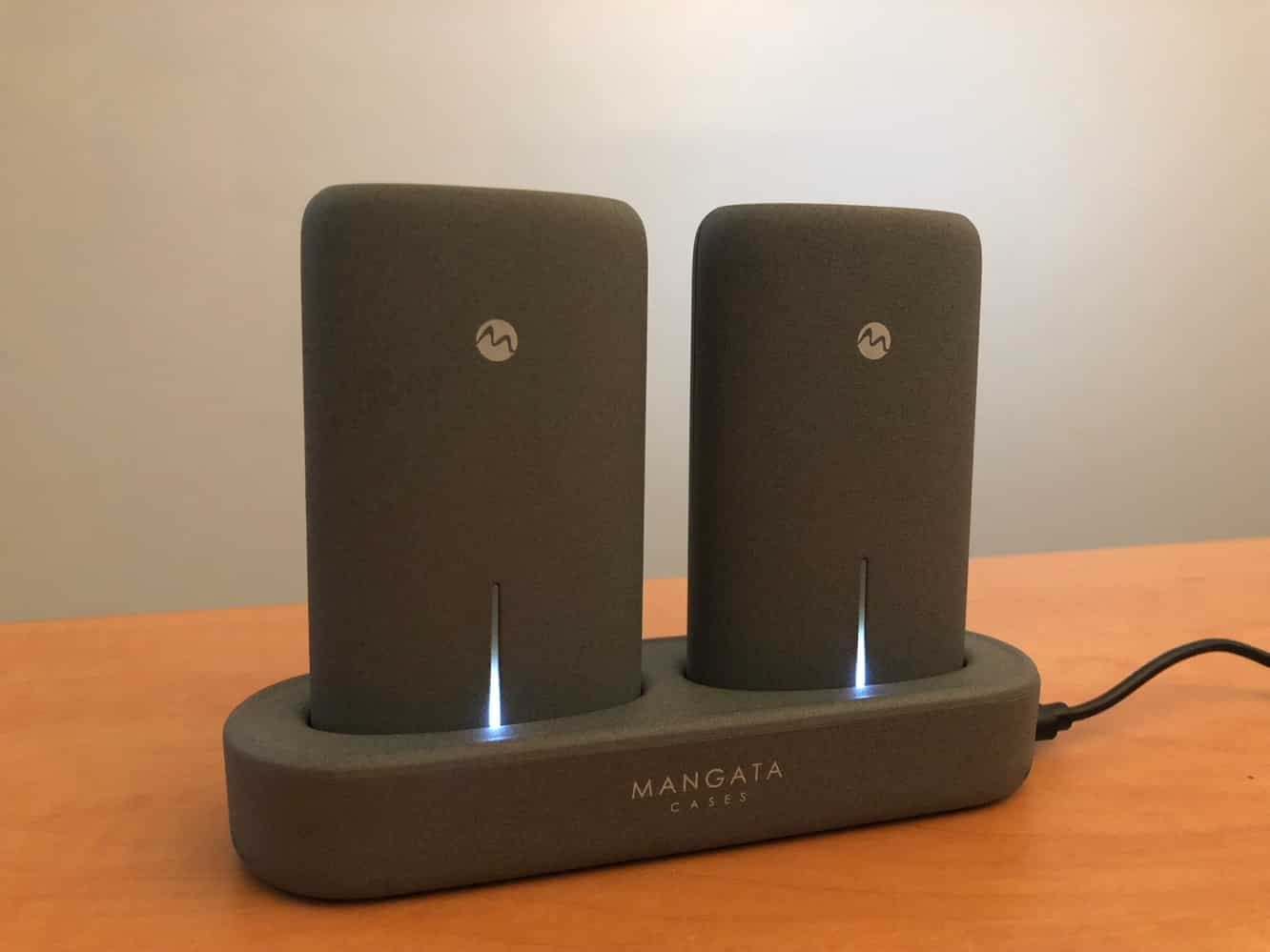 Review: Mangata Orbit Dual Power Bank Set with Wireless Charging Station